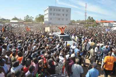 Opposition leader Raila Odinga conducting a rally (file photo).