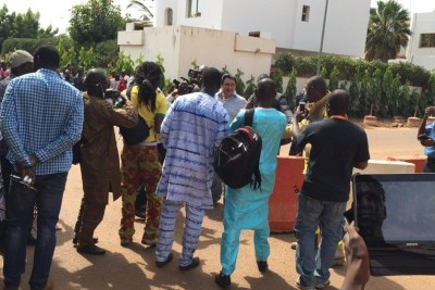 A hostage is released in Bamako.