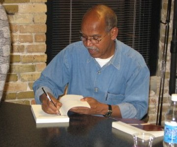 Somali novelis and writer