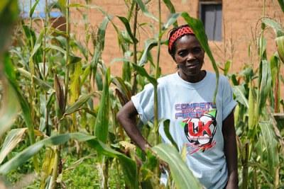 Joaquina Chitala Jarvisio,40, tient une petite exploitation agricole