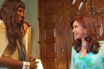 Naomi Campbell on a visit to Argentine President Cristina Fernández de Kirchner.
