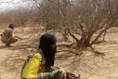 Soldats maliens en opération à Ménaka. Face-à-face entre l'armée malienne et les combattants touaregs du Mouvement national de libération de l'Azawad (MNLA) dans le nord-est.