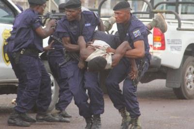 Un malfaiteur maîtrisé par la police congolaise