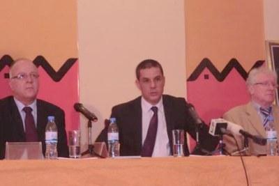 Conférence de presse des responsables du Groupe Attijariwafa Bank - Co-organisée par le Groupe Attijariwafa Bank et Maroc Export, la troisième édition du Forum Afrique développement s'est ouverte, hier, à Casablanca (Maroc) dans l'objectif de galvaniser un partenariat Sud-Sud porteur d'espoir et de progrès pour les peuples africains.