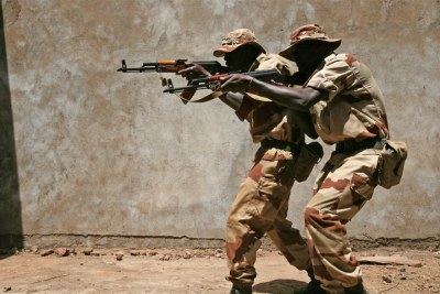 Malian soldiers take part in training conducted by a European Union mission (file photo).