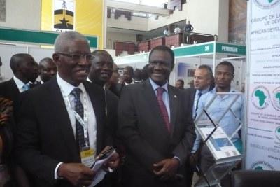 Le ministre Ghanéen des terres et des ressources naturelles Nii Osah  Millis,et le Président de la commission de la CEDEAO, Kadré Désire Ouédraogo.