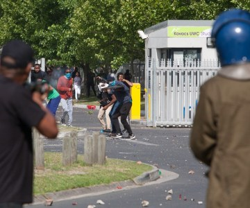 UWC Students and Riot Police Clash During Protest