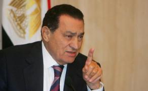 Hosni Moubarak appelé à témoigner contre Mohamed Morsi en Egypte