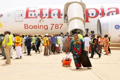 Passengers disembark from an Ethiopian Airline Boeing 787 at the Kaduna International Airport yesterday as the airport commenced international flights following a temporary closure of the Nnamdi Azikiwe International Airport, Abuja for repairs