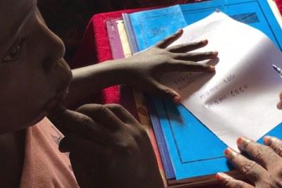 Bipendu passe l'épreuve écrite dans sa nouvelle école Kananga