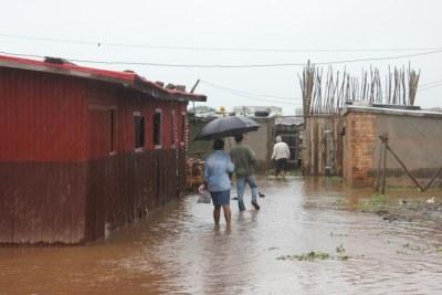 Plusieurs quartiers bas d'Antananarivo ont été inondés à cause des pluies diluviennes du cyclone Ava. Ici le quartier d'Ankorondrano