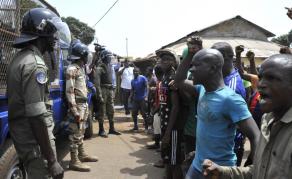 Marche de la société civile contre la hausse du prix du carburant en Guinée