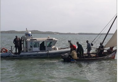 Kenya Navy officers rescuing fishermen whose dhows capsized at Mlango wa Bomani in Kiunga, Lamu  East (file photo).