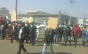 Manifestation en Côte d'Ivoire contre la libération de Gbagbo et Blé Goudé