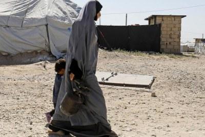 Famille tunisienne détenue dans un camp de l'EI.