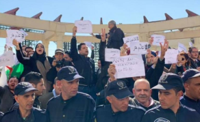 Une quinzaine de journalistes arrêtés lors d'une manifestation en Algérie