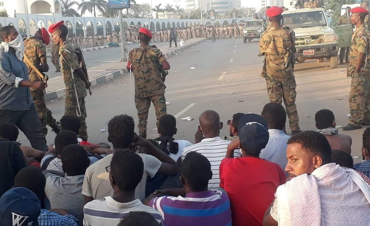 Sit-In Protest Outside Khartoum Army Headquarters ...