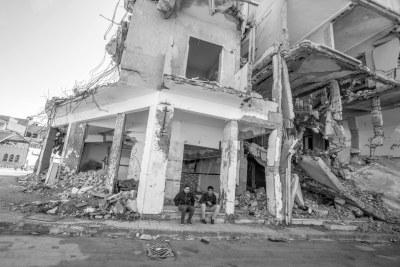 Des bâtiments détruits, à Tripoli, la capitale de la Libye.