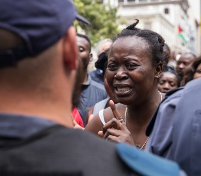 Chaos in Cape Town As Refugees Evicted From City Centre Protest