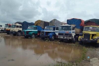 Environ 500 camions sont bloqués à la frontière entre le Nigeria et le Bénin, à Sèmè-Kraké, depuis le 20 août 2019.