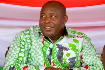 Général Evariste Ndayishimiye, Secrétaire Général du Parti CNDD-FDD, au pouvoir au #Burundi. Candidat du @CnddFdd aux Présidentielles de 2020.