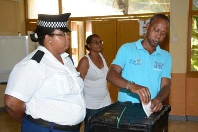 Concernant le processus de conduite des élections, la représentante légale de la Commission électorale, Salina Sinon, a déclaré que le vote se ferait par ordre alphabétique.  (Patrick Joubert)