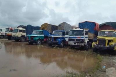 Les camions de marchandises sont bloqués à la frontière entre le Nigeria et le Bénin, à Sèmè-Kraké, depuis le 20 août 2019.