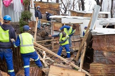 The Cape Town Anti-land Invasion Unit demolishes shacks in Imizamo Yethu, Hout Bay (file photo).