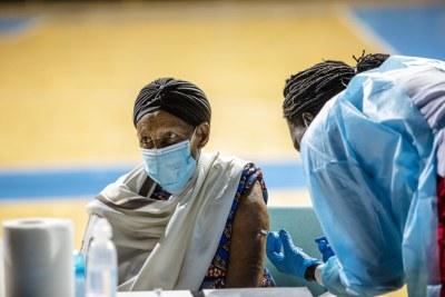 Moins de 2% des vaccins COVID-19 dans le monde ont été administrés en Afrique