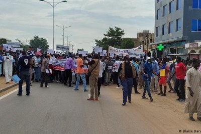 Civil society groups demonstrate against Chad military leadership (file photo).