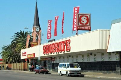 Shoprite est une chaîne de supermarchés sud-africaine basée au Cap.  Elle est la plus grande chaîne de magasins en Afrique avec plus de 1000 supermarchés et hypermarchés Shoprite Hyper dans 18 pays à travers l'Afrique et les îles de l'océan Indien.